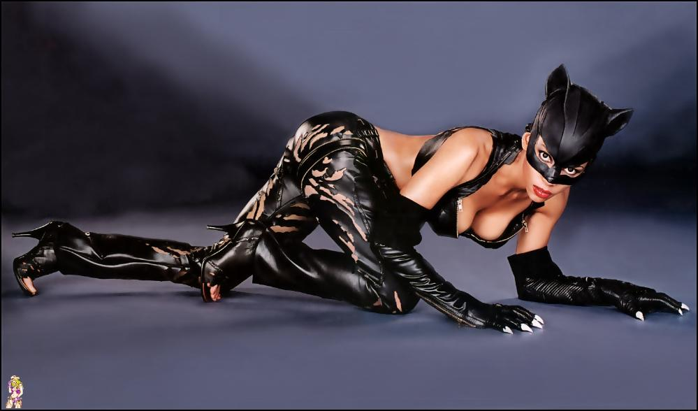 berry halle berry ryan reynolds christian bale cares acting Halle Berry as cat woman