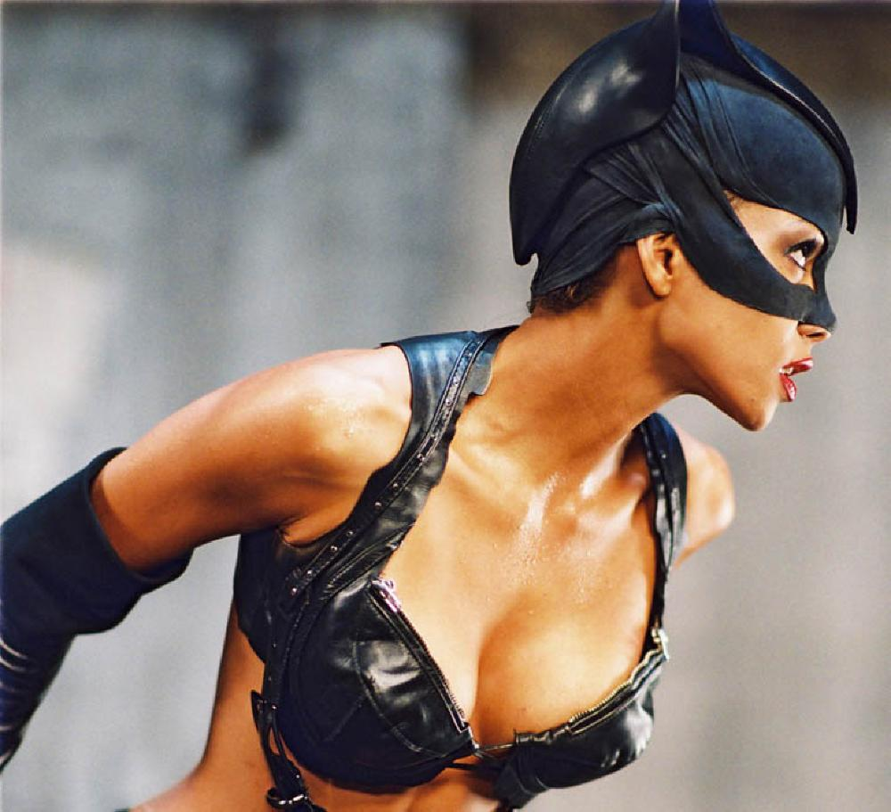 Halle Berry Catwoman Movie Photos Gabtors Weblog
