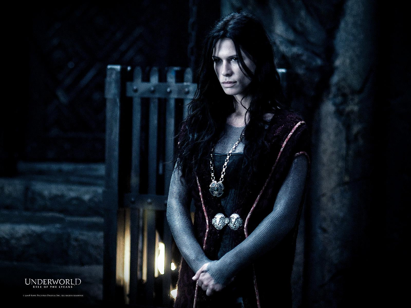 rhona mitra � underworld rise of the lycans movie photo