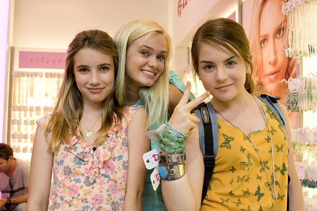 Emma Roberts – Aquamarine movie photo gallery | Gabtor's ... One Direction Christmas 2011
